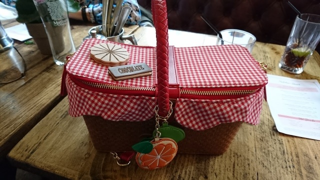 picnic, handbags, novelty-bags, skinnydip-london, primark, asos, novelty, seashell-bag, pineapple-bag, picnic-basket, fish-bag, poison-apple, popcorn, ice-cream, carousel-horse