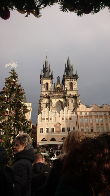 Prague, Czech-Republic, blogger-holiday, road-trip, christmas-markets, prague-markets, easyjet, hotel-alqush, prague-boats, museum-of-communism,retro-exhibition, sex-machine-museum, wenceslas-square, charles-bridge, prague-castle, christmas-tree, christmas-decorations, medieval-clock, astronomical-clock, blogger-buddies, plus-size, plus-size-bloggers, fbloggers, fatshion, fatshionista, plus-size-travels, award-winning-blogger