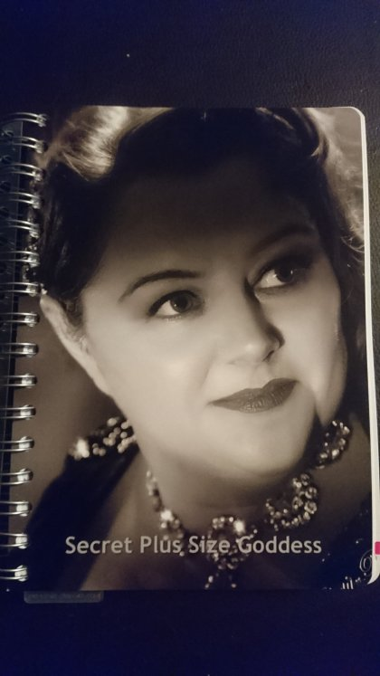 personal-planners, blog-planner, hollywood-glamour, calendar-girl, planner, vintage-photoshoot, black-and-white, beck-photographic,