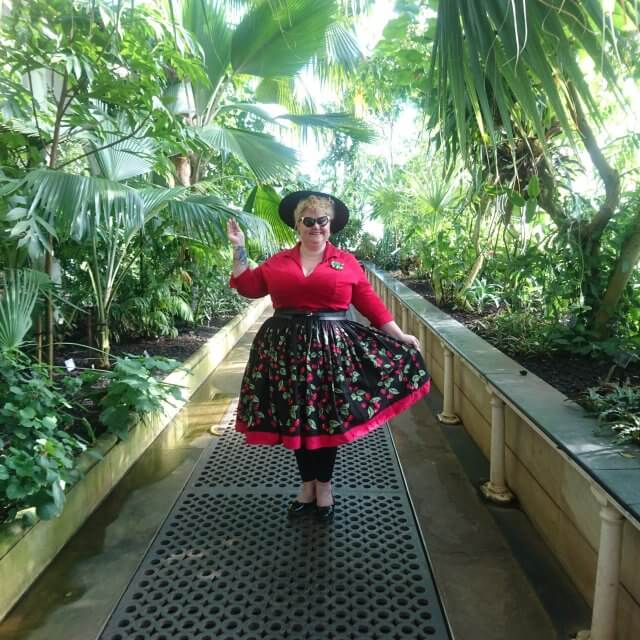 pin-up-girl-clothing, pug-clothing, pin-up-girl-for-life, harlequin-skirt, peasant-top, skater-skirt, vintage-style, vintage-girl, vintage-plus-size, plus-size-clothing, plus-size-blogger, fatshionista, fatshion, retro-style, repro-style, jenny-skirt, mary-blair, marks-and-spencers, luxulite, viva-la-lux
