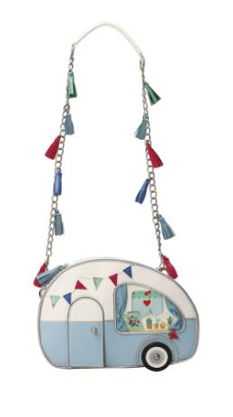 picnic, handbags, novelty-bags, skinnydip-london, primark, asos, novelty, seashell-bag, pineapple-bag, picnic-basket, fish-bag, poison-apple, popcorn, ice-cream, carousel-horse