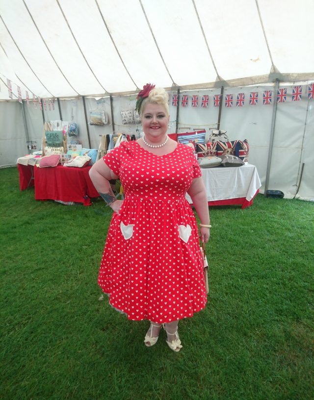 plus-size-clothing, plus-size-fashion, fatshion, fatshionista, vintage-style, vintage-clothing, vintage-girl, vintage-bag, vintage-hat, plus-size-blogger, ps-blogger, fblogge, enfield, enfield-pageant-of-vintage, vintage-village, loula-beau, hotties-vintage, classic-cars, catwalk,