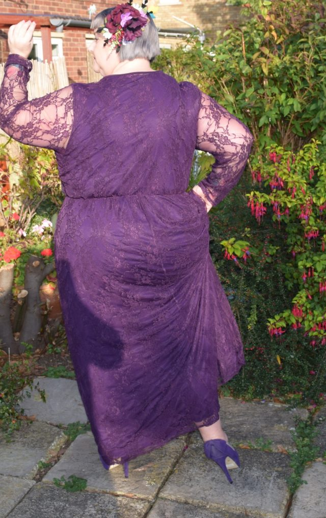 yours clothing, maxi dress, lace dress, plus size fashion, plus size clothing, psblogger, plus size woman, plus size model, lace dress, purple dress, long dress, occasion wear, hair flowers, flowers by Janey_67