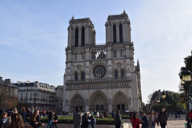 paris, eiffel tower, notre dame, big bus tour, blogger adventures, blogger holidays, arc de triumph, bus trip, river seine, crepes, croque monsieur,