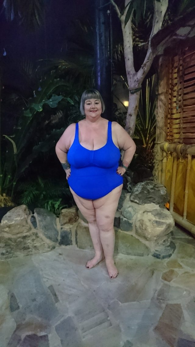swimming costumes, plus size swimming costumes, plus size blogger, elomi swimwear, ukswimwear, centreparcs, plus size reviews