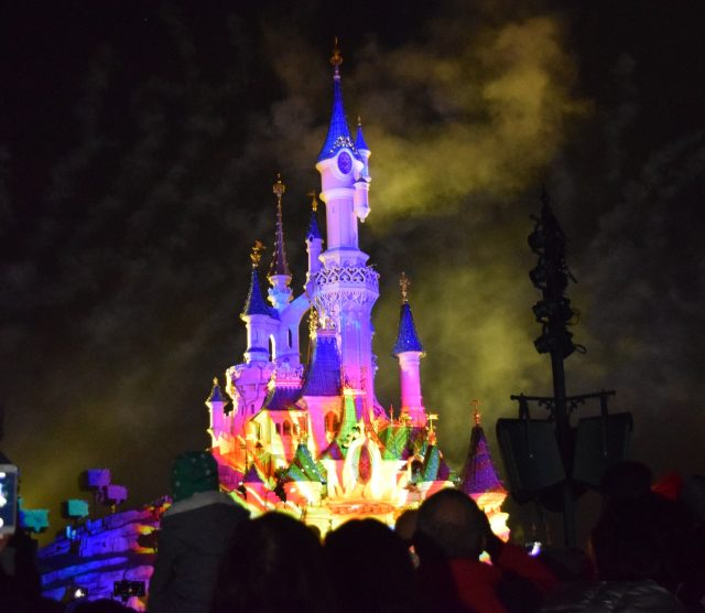 annettes, disneyland paris, mickeys soiree, halloween, halloween soiree, fancy dress, merida, elsa, 50's diner, illuminations, parade, disney parade, disney villains, boo brown, blogger holiday, blogger adventures,
