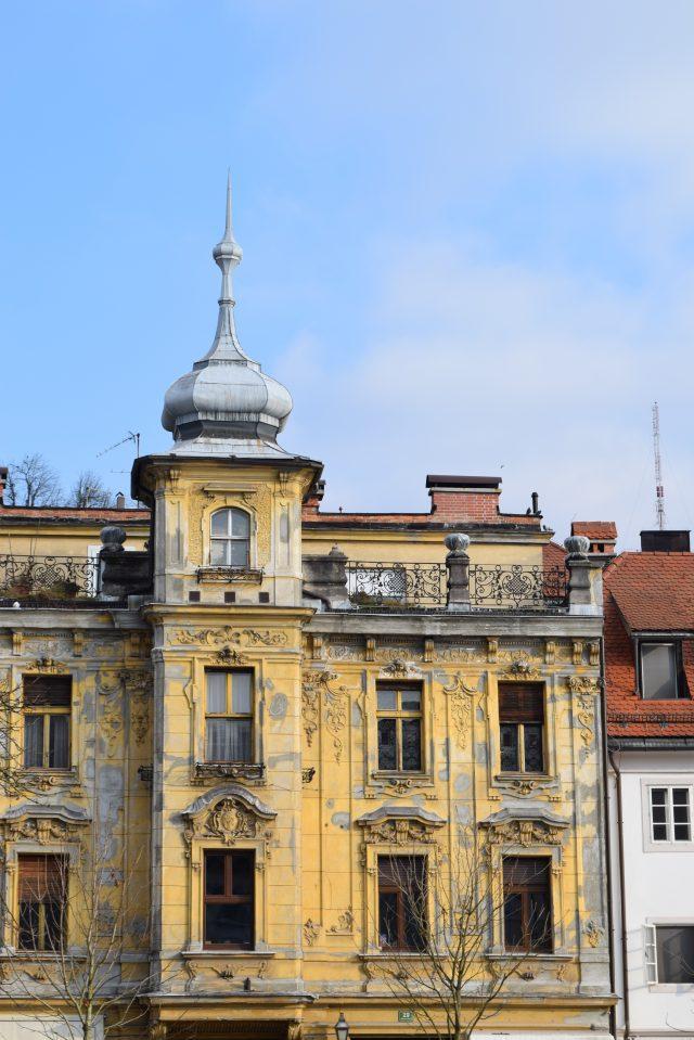 slovenia, ljubljana, blogger travels, plus size blogger, city breaks, winter markets, hotel lev, slovenian food, blogger adventures,