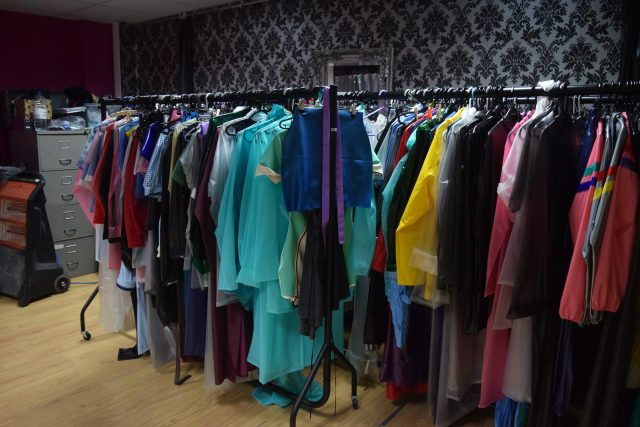 Elements Rainwear, raincoats, rainmacs, rainwear, northamptonshire, plus size clothing, plus size fashion, plus size blogger, psblogger, bodiposi, romantica coat, ruby coat, PVC clothing, PU Clothing, bespoke rainwear,
